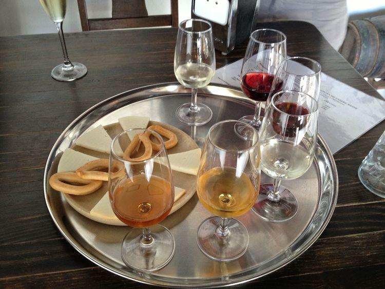 Wine+Tasting