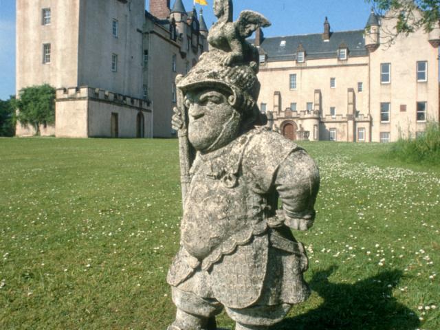 Status of Sir Jeffery Hudson, Fyvie Castle, Aberdeenshire